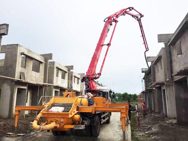 25m boom truck pump in the sites