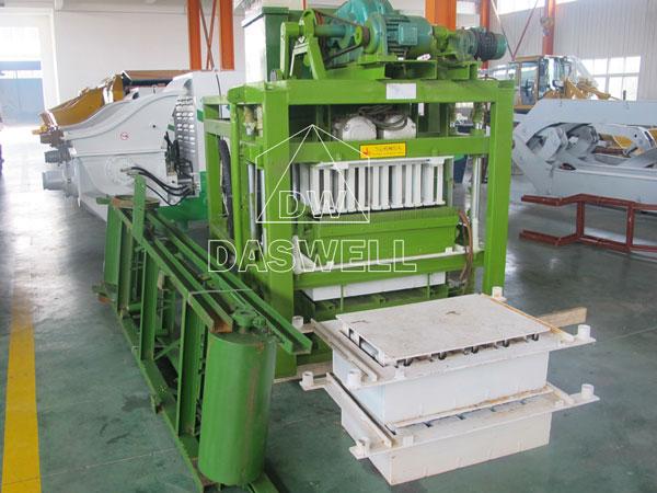 QTJ4-25 hollow block making machines