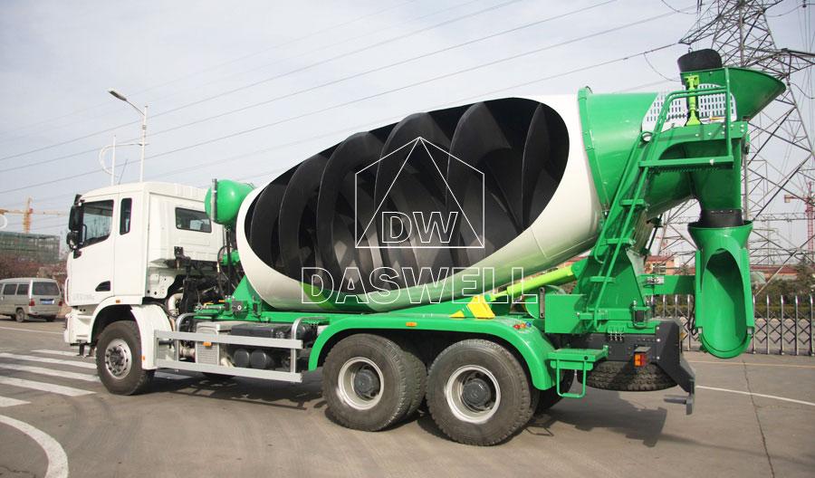internal structure of concrete mixer truck
