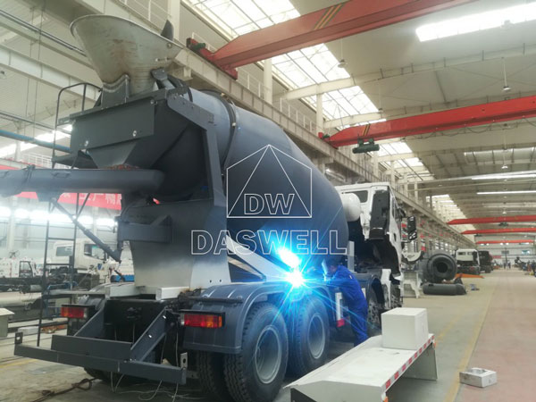 production workshop of small concrete mixer truck