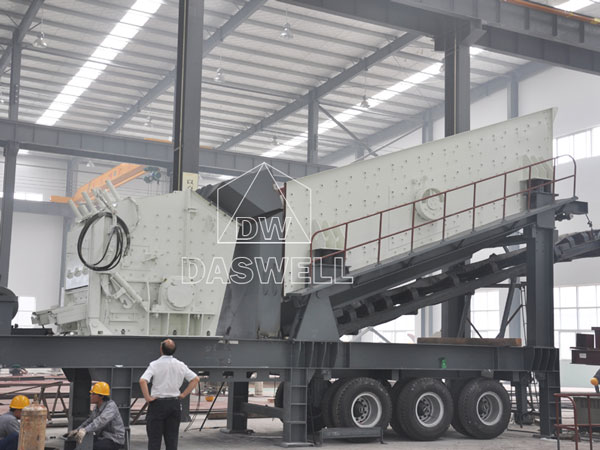 crushing machine in production factory