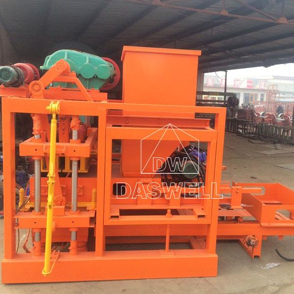 QTJ4-40B hydraulic concrete block machine