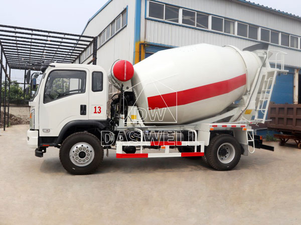 DW-4 ready mix concrete truck