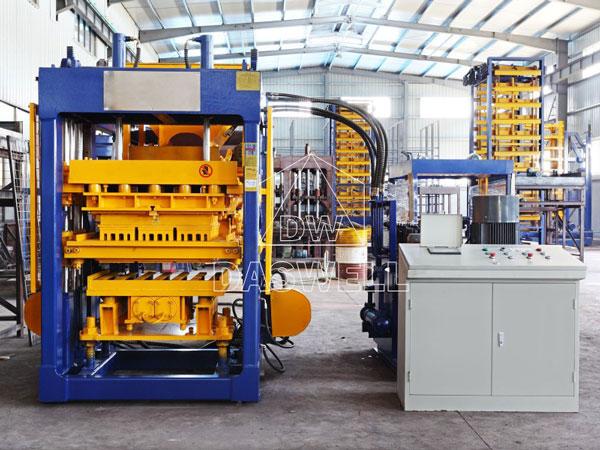 QT6-15 bricks manufacturing machine